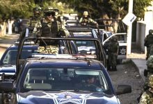 Photo of Dos muertos y cuatro agentes heridos en Silao