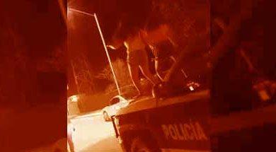 Photo of 'Perreando' sobre la patrulla en Dolores Hidalgo