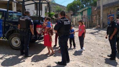 Photo of Policías de León reparten despensas durante la epidemia