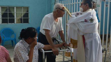 Photo of El padre Lalo predicaba en las calles por cuarentena y murió de COVID-19