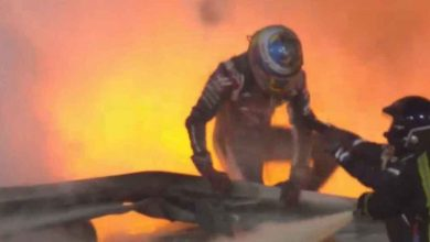 Photo of Milagro: Grosjean 'emerge' del fuego en Baréin