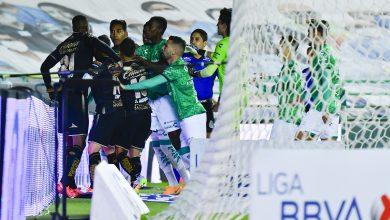 Photo of León indomable: imágenes de la 'pelea' con Santos (2-1)