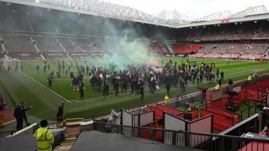 Photo of Motín en Old Trafford obliga a suspender el clásico inglés